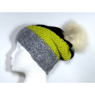 Toque : Pale gray, green lime and black