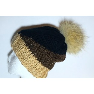 Toque : Beige, black and brown