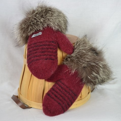 Dark red and black mittens with recycled fur