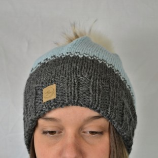 Toque : charcoal and light blue